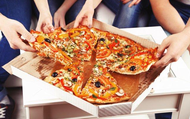Yummy, Pizza! Aber bitte ohne Rattenzahn, dafür mit scharfem Ketchup :)